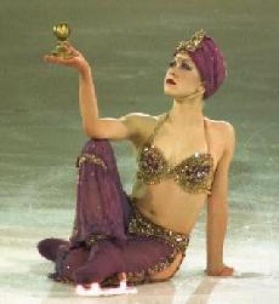 Nackt Oksana Eiskunstläufer topless Baiul Bilder