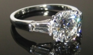How Jared the Galleria of Jewelry and Helzberg Diamonds Compare