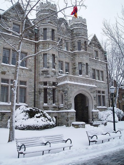 15 frat houses that look like castles her campus for Houses that look like castles