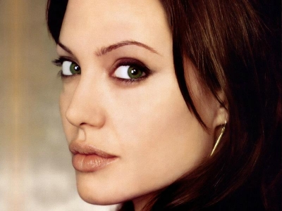 Her birth name is Angelina Jolie Voight. 4. Her father is the Oscar-winning