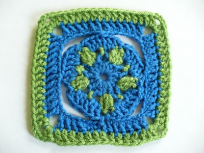 Free Crochet Pattern: Star Flower Granny Square