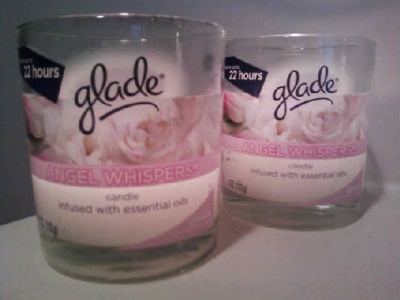Glade Scented Candle: Angel Whispers scent
