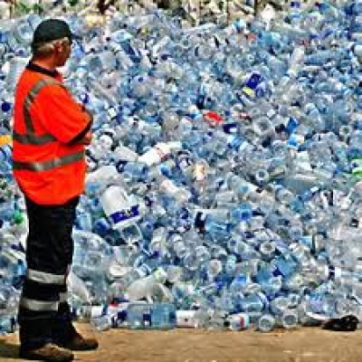 whats the big deal with plastic water bottles flourish - 400×400