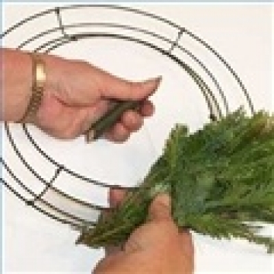 wire frame wreath finest - Wire Wreath Frame With Ties
